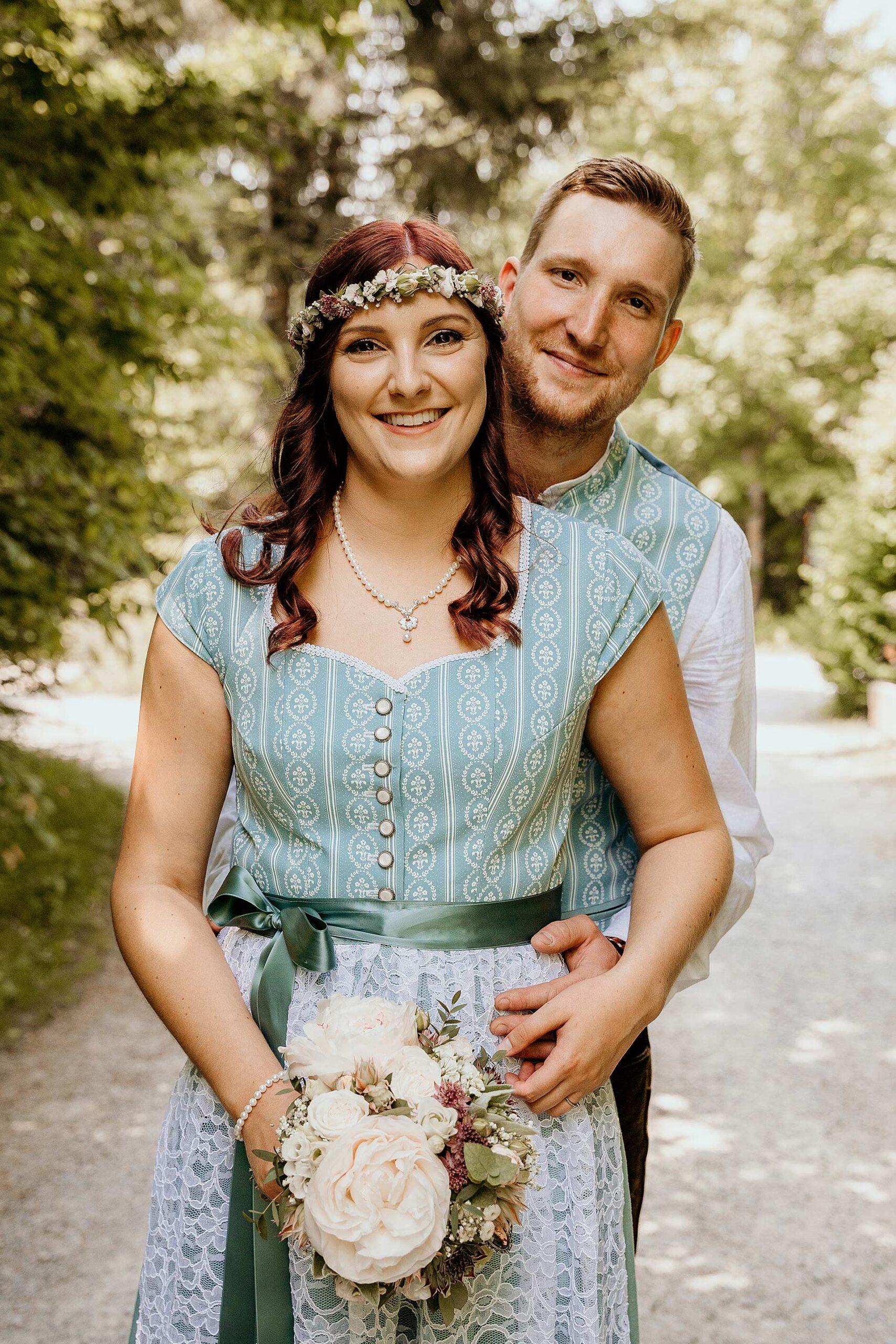 BrautpaarshootingHochzeitsreportagefotografischeBegleitungRegenStraubingViechtachCham scaled - Hochzeitsreportage