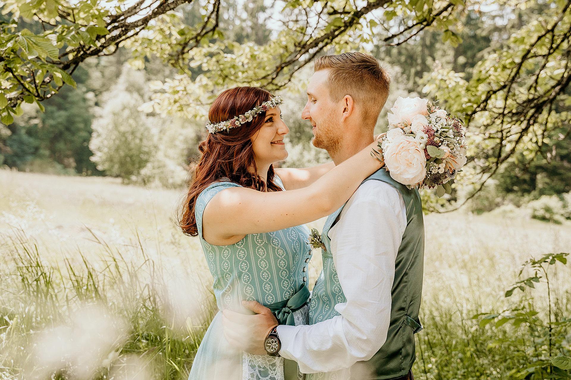 BrautpaarshootingHochzeitsshootingHochzeitsfotografinRegensburgRegenMünchenNiederbayern - Hochzeitsreportage